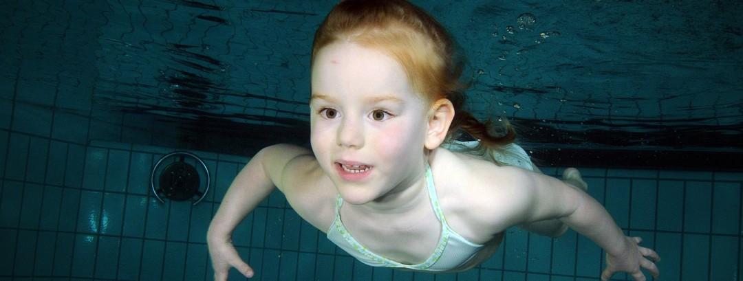 kleuter zwemmen